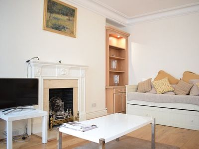 Photo for Spacious 1 Bedroom Flat In Piccadilly Circus