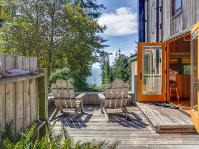 Photo for Peaceful hillside home w/ ocean views,  private hot tub, & shared pool!