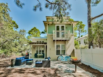 Photo for 6-Seater Golf Cart/Sleeps 11 w/ 2 Pools/Tennis/Bikes & short stroll to the Beach