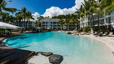 Photo for Oasis Beach Club 3322 - Waterfront Resort Spacious 2 Bedroom Apartment