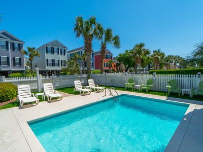 Photo for **DISCOUNTS UP TO 40% OFF FREE LINENS Walk to Beach, Pets Friendly, Private Pool