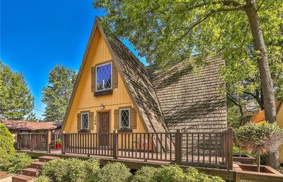 TᕼE ᕼEᑎᖇY • Ace location in Downtown Bentonville • Top 10 rated VRBO!