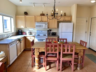 Photo for Clean & Charming Southwest Style Private Condo with Pool & Mountain Views!
