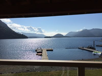Photo for Beautiful Cowichan Lakefront Vacation House