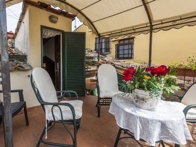 Photo for Carolina - Detached apartment for 10 people, Florence