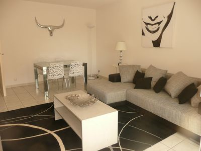Photo for For rent appt 2 contemporary rooms, the center of St Raphael, quiet