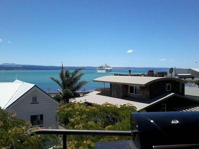 Photo for Ahuriri, Seaside in the City (+ free wi-fi, secure parking)