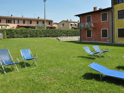 Photo for Lovely apartment for 6 people with WIFI, pool, TV and parking