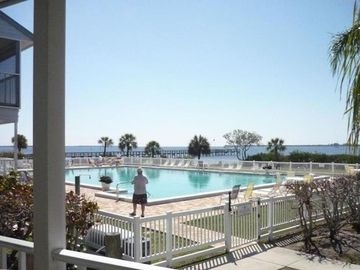 Search 909 holiday rentals