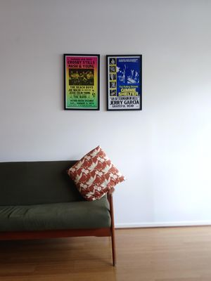Photo for Bright city-fringe townhouse close to all the attractions