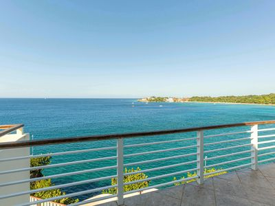 Photo for 4 Bedroom, Oceanfront Penthouse w/ Breathtaking Views & Jacuzzi