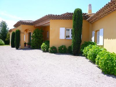 Photo for Provencal villa with private pool and heated in Grimaud