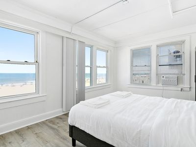 Photo for Modern Beachfront Suite 301
