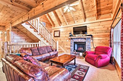 Enjoy the best of Sevierville, Pigeon Forge, and Gatlinburg from this home!