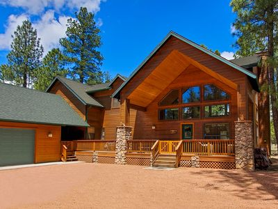 Photo for Chic's Coop - Pinetop Family Getaway w/Pool Table - WiFi - Sleeps up to 20!