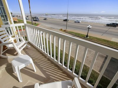Victorian 1205-Room with a View: Seawall Front-Facing, Community Pool. FREE activities!