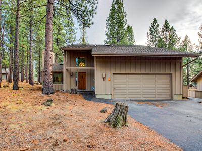 Photo for Cozy home w/ private hot tub, SHARC passes & convenient location - dogs ok!