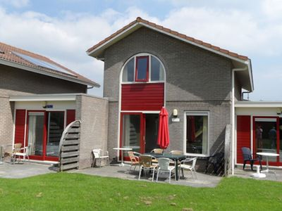 Photo for Cozy studio with a bath and terrace, located in Friesland