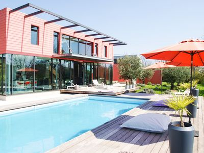 Photo for Contemporary architect villa, with pool, 8 people, great comfort