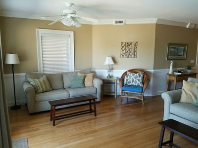 Brass Rail 220; 2 Pools, Hot Tub, short walk to Beach and Pier