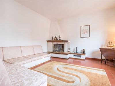 Photo for In a beautiful nineteenth century palace with decorated facades, a splendid classic-style apartment
