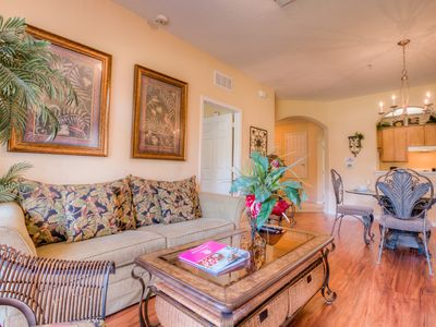 Photo for Elegant tropical 3-bed, 2-bath condo with plenty of room for up to 8 guests.