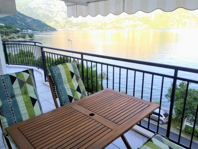 2 BDR seafront, brand new, top floor, stunning view!