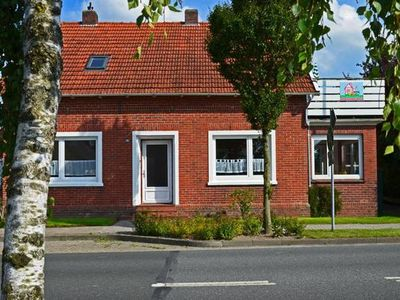 Photo for Holiday apartment Carolinensiel for 4 - 5 persons with 2 bedrooms - Holiday apartment