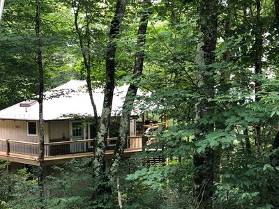 Photo for 1300 ft to Ski Beech! New decks and interior updates Nov 2018. Last minute deals