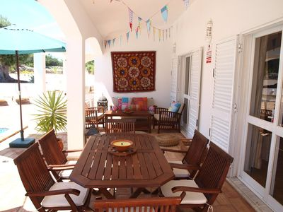 outdoor dining area with lounge