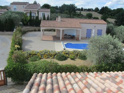 Photo for Provence, villa with swimming pool, lavender plateau, shines