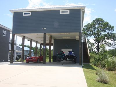 Fish, Play, Relax . Entertain, Charming 3 Bedrm/2 1/2Ba,  on the water.