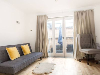 Photo for Comfortable 1 Bedroom Apartment in Canonbury