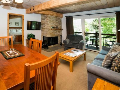 Photo for Beautiful top-floor mountain-rustic two-bedroom
