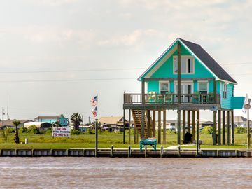 **BayDream-Inn**  Luxury on the ICW with Breathtaking Views of the Gulf