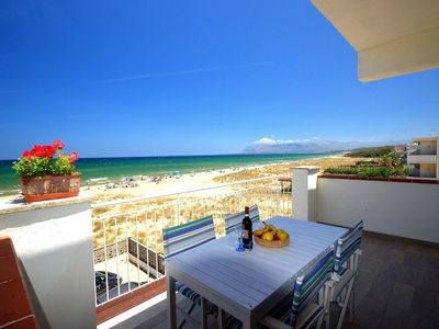 Photo for Holiday home on the sea – Apartment 5