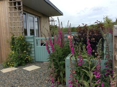 Photo for Hedgerow Hut - the perfect hideaway