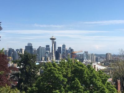 Kerry Park (Seattle well known photo shoot place) is just 0.5 miles away!