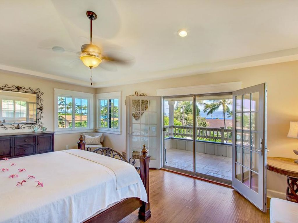 3 bedroom plantation style home napili bay kapalua maui for Plantation style bed