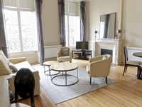 Superb location; comfortable and practical apartment