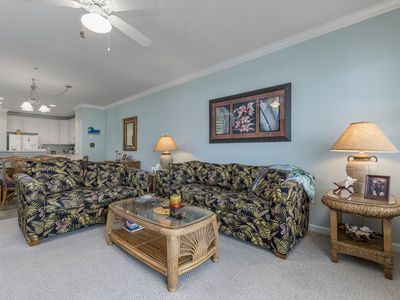 Upscale Resort Condo - Ind/Outdoor Pools, Private Beach & More!