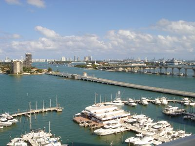 Photo for Doubletree Grand Miami Condo 100% facing Biscayne Bay close to Downtow