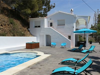 Photo for Luxury villa with private pool, modern decor and at 4 km from the sea