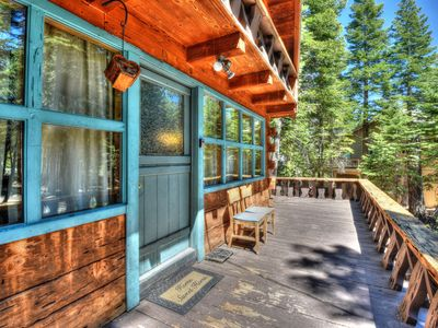 Photo for Charming Cascade Chalet