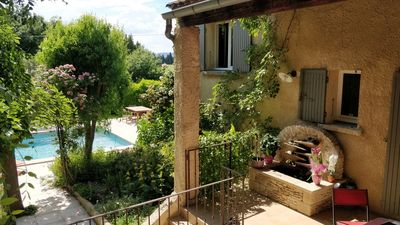 Photo for Air-conditioned house in the heart of Provence, wooded and closed garden, swimming pool.