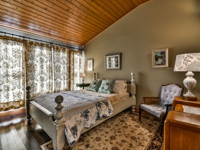 Photo for Harrison Charming Country Cottage