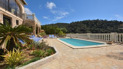 Photo for Villa with heated pool, jacuzzi, fantastic sea view