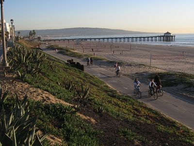 You will be just a few short steps away from the Pacific - MB pier & bike path.