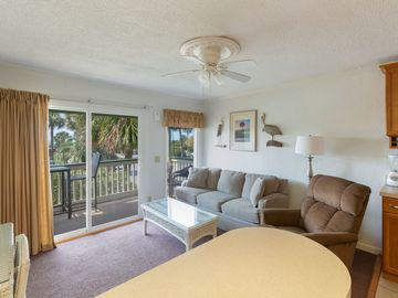 Sea Cabin 117 A VERY NICELY REDONE Beachfront Condo W/Fishing Pier & pool  acess