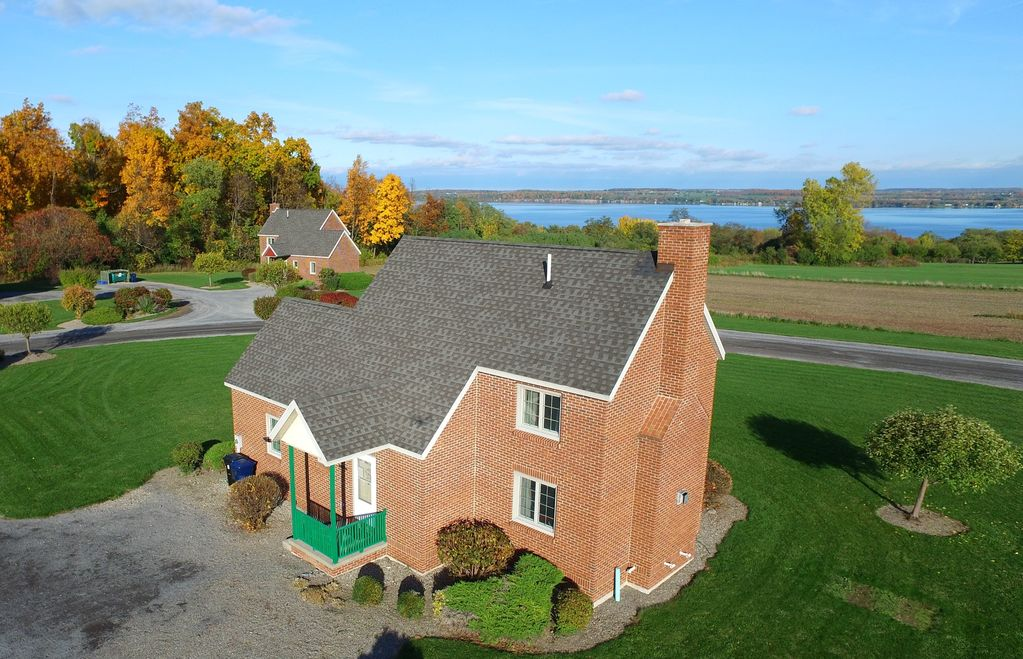 Beautiful Brick Built Cottage in the Finger Lakes Overlooking Seneca Lake -  Geneva